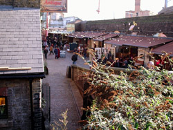 Now for something completely different. We went to the Camden Market with Lucy. It's got some really pretty sections and interesting shops.�>R
